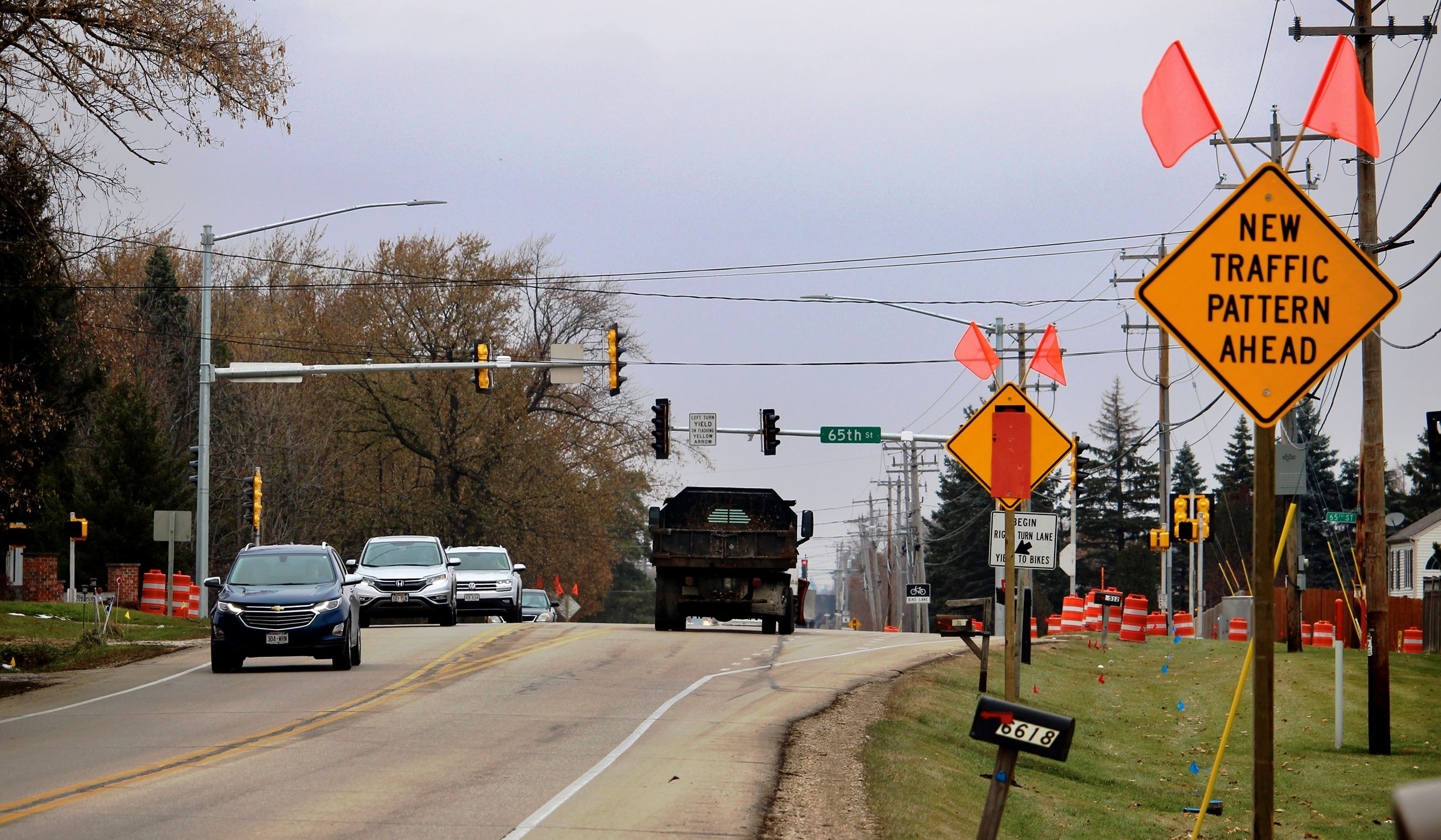 Highway H and 65th Street traffic signal