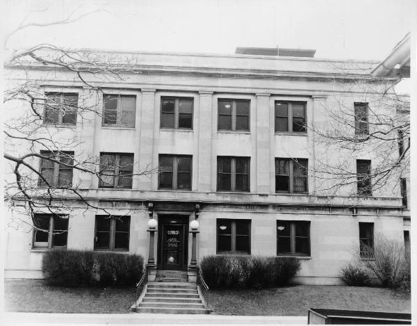 Sheriff's building in the 1920s